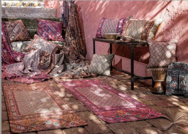 Material textil cu motive traditionale pentru terase in ambient DRTR006
